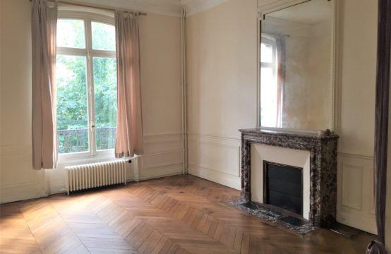 Paris 17ème appartement 1 pièces 950 euros